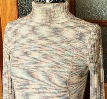 как стирать вязанные вещи в машинке вязаный вручную свитер